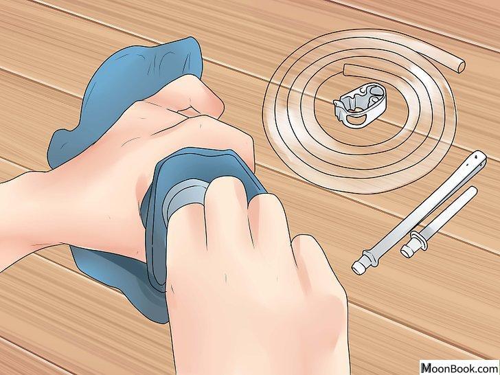 以Perform an Enema at Home Step 3为标题的图片