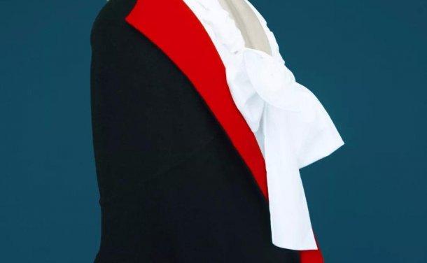 #ThroughTheirEyes:作画般诗意而迷幻,Erik Madigan Heck 流淌超现实色调的影像艺术