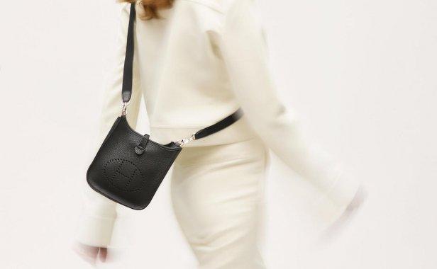 值得投资的 Hermès 入门级手袋!让 Évelyne 16 Amazone 轻盈陪伴你的随性日常